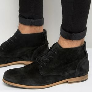 Shoe The Bear Oliver Suede lace up chukka boots